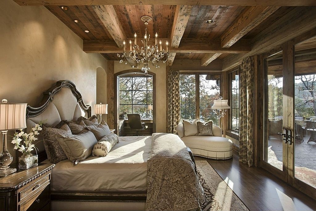 eclectic-master-bedroom-with-wood-ceiling-and-ceiling-beams