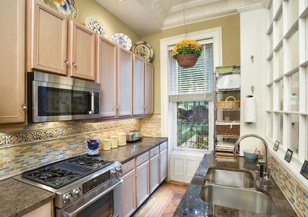kitchen_-galley-stone-ideas