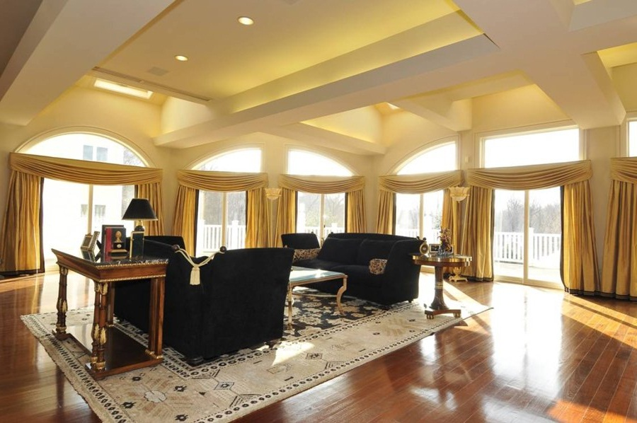 sharp-curtains-ideas-for-large-living-room