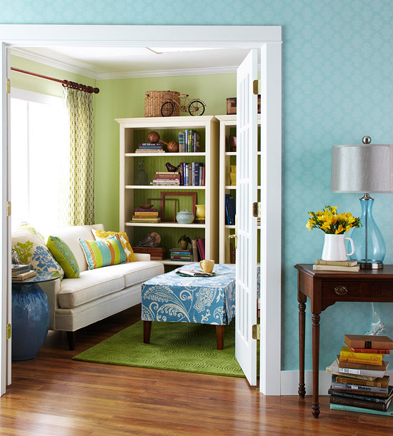 small-colorful-livign-room