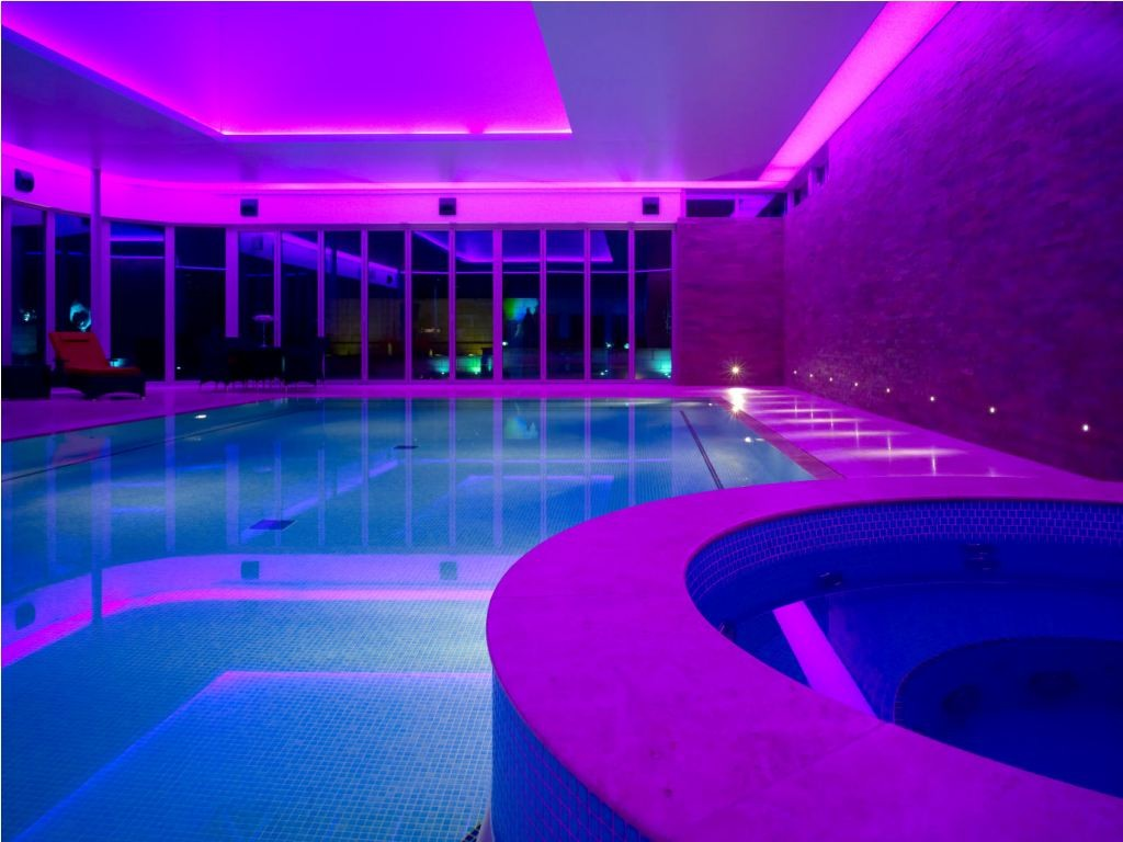 swimminpool led