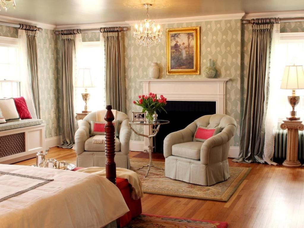 Bedroom-Window-Treaments-Silk-Sharon-McCormick