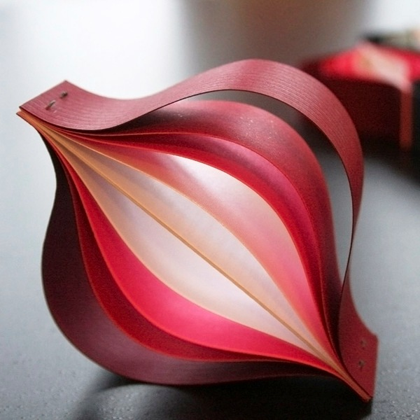 Christmas-Ornaments-made-from-just-paper-in-Origami-style-