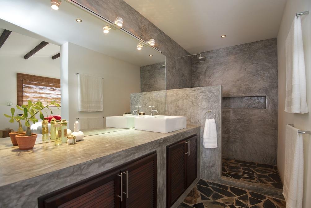 Concrete-vanity-unit-Mediterranean-style-bathroom