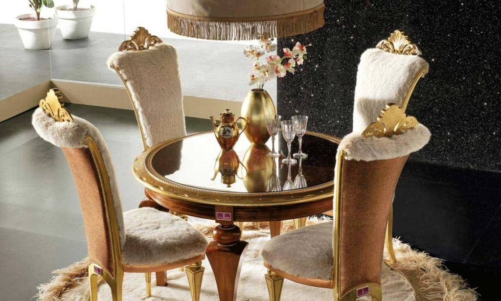 Dining-Table-Set-With-Gold-Fresh-Carpet-Elegant-Luxury-Dining-Room-Set