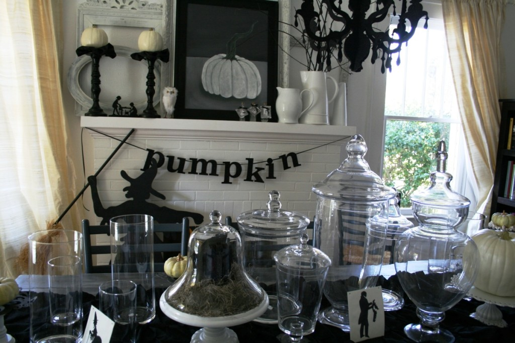 Halloween-Home-Decor-Ideas-with-Black-and-White-Theme