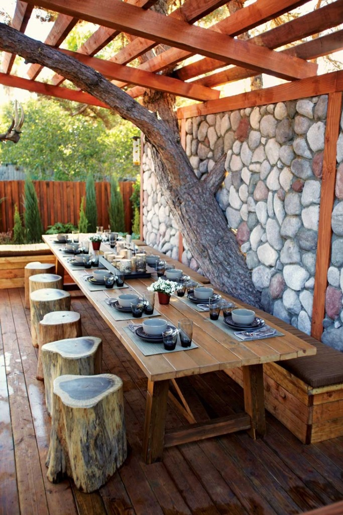 backyard-natural-dining-room