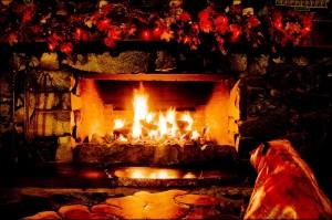 21 Amazing Christmas Fireplace Decor Ideas
