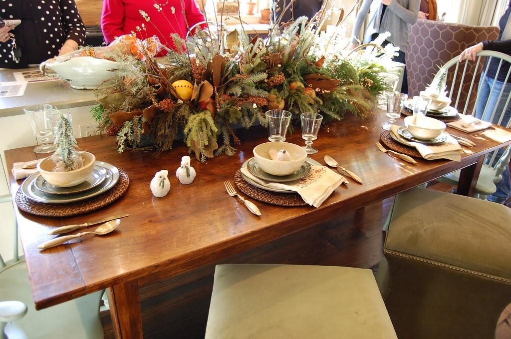 decoration-ideas-magnificent-and-minimalist-natural-christmas-dining-table-centerpieces