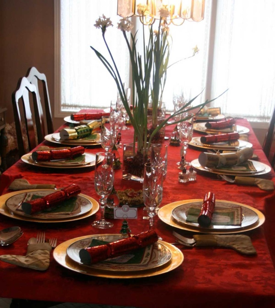exquisite-dining-room-in-christmas