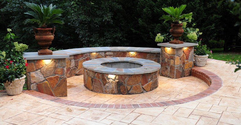 fire-pit-seat-wall-stamped-concrete-