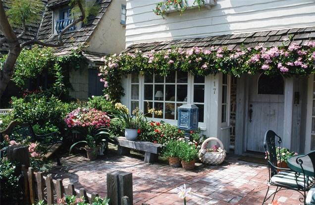 front-cottage-garden-maureen-gilmer_