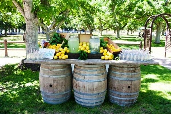 wine-barrels-table-center