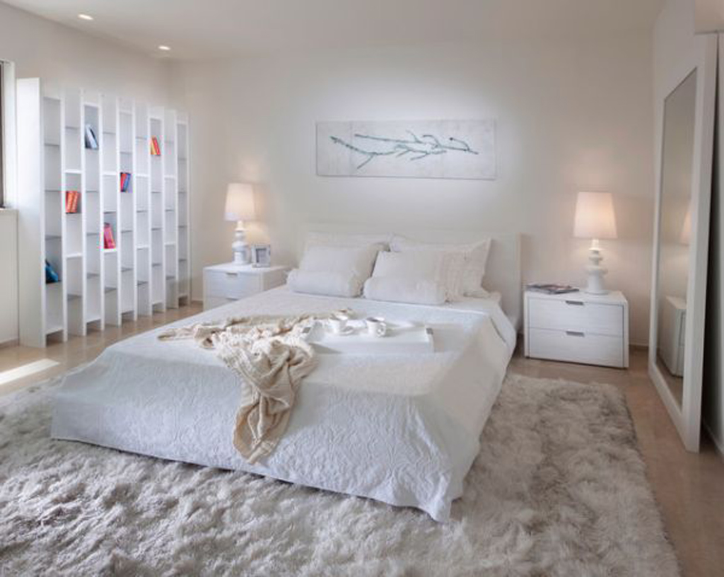 All-white-bedroom-design