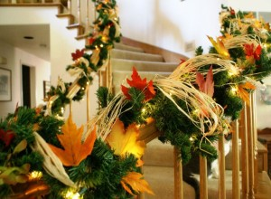 25 Christmas Staircase Decoration Ideas