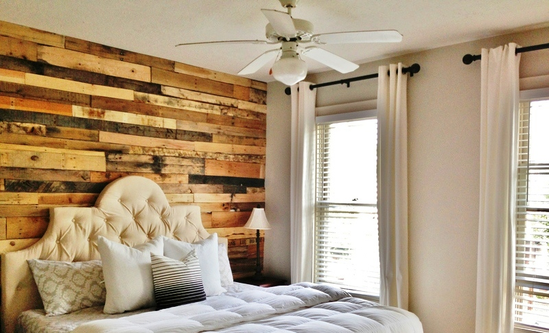 master-bedroom-pallet-wall-accent