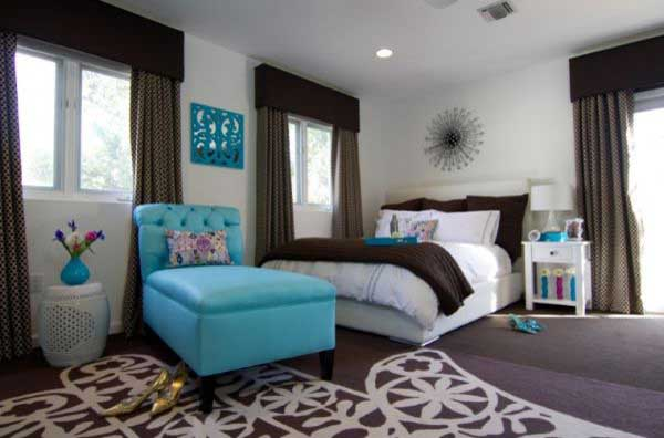 Sophisticated-Bold-Color-Schemes-For-Bedroom-And-Living-Rooms