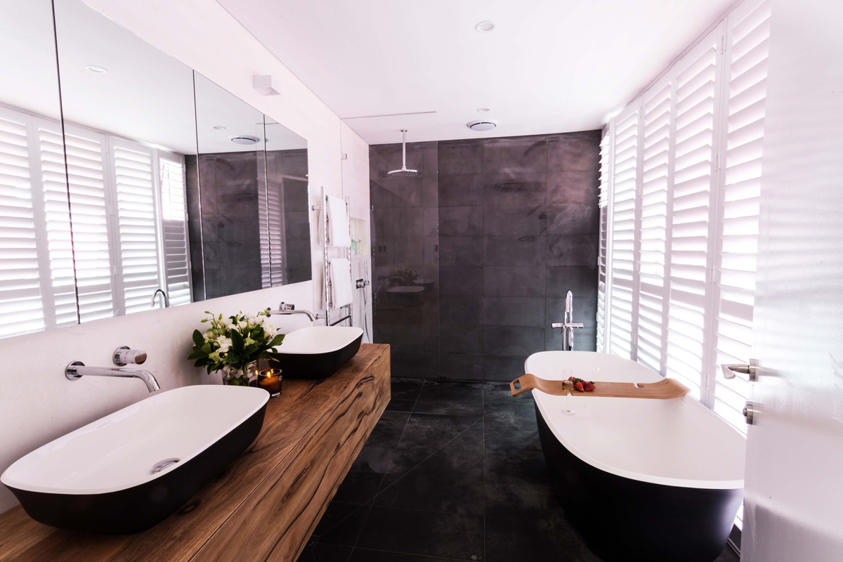 dark bathroom trend