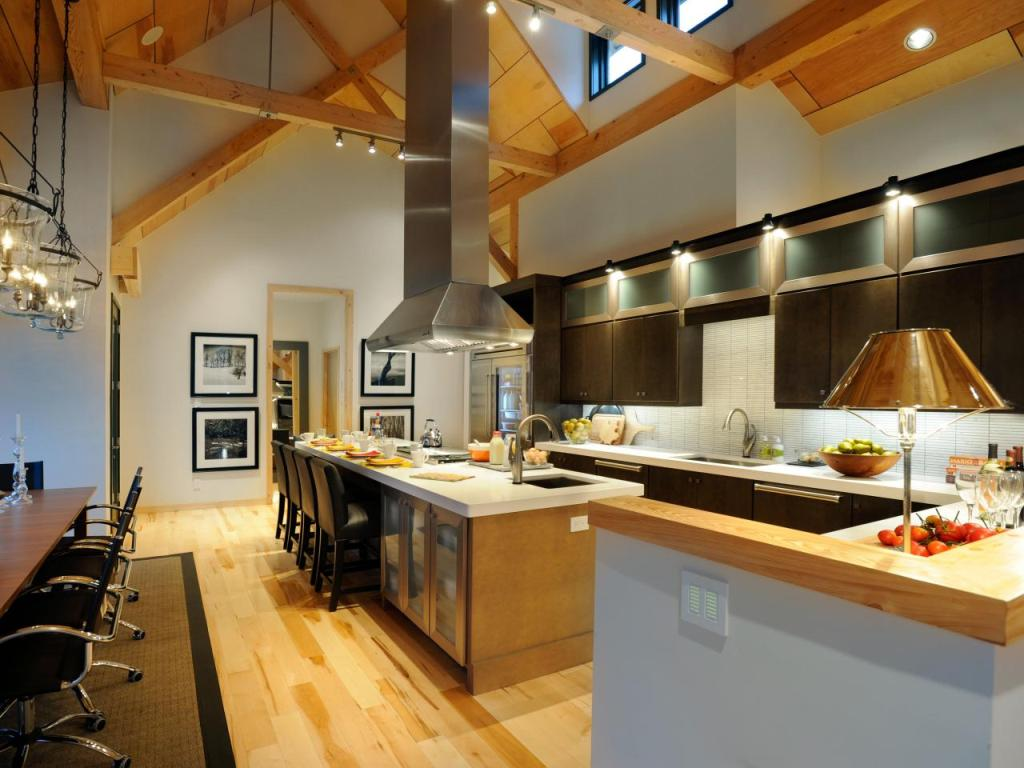 Kitchen With Large Island and Vaulted Ceilings