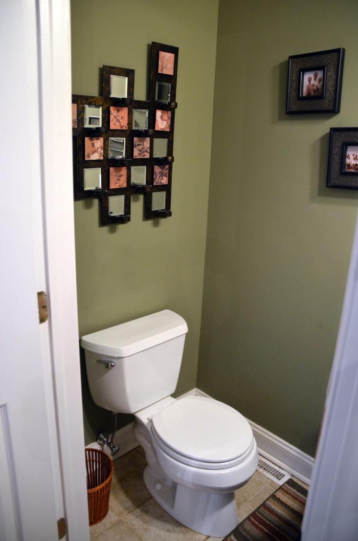 half bathroom decorating ideas