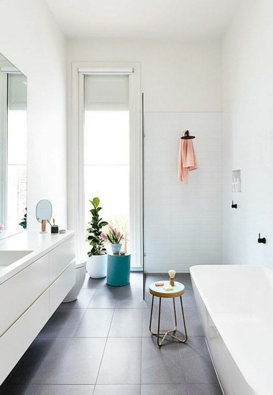 All white beautiful bathroom trend.