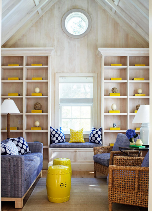 small-living-room-in-traditional-home-ideas