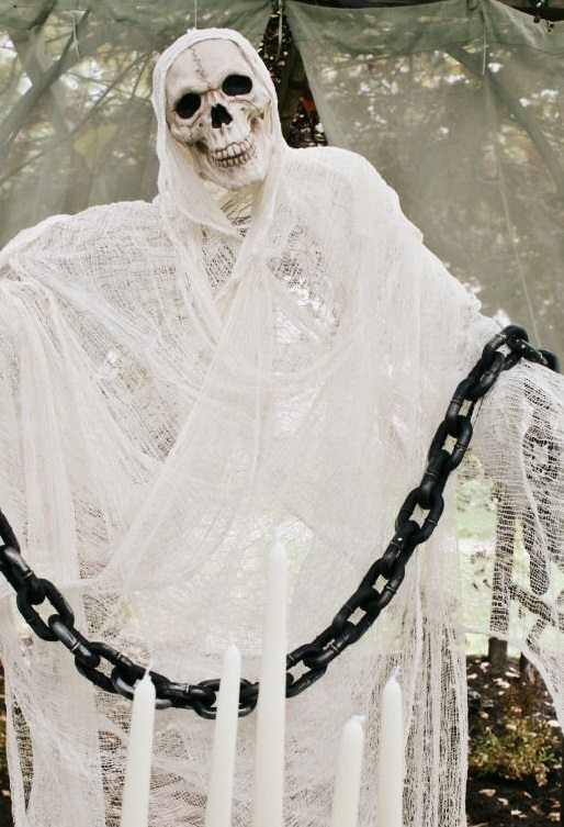 Cool Outdoor Skeleton Ghost Chain Halloween Decoration