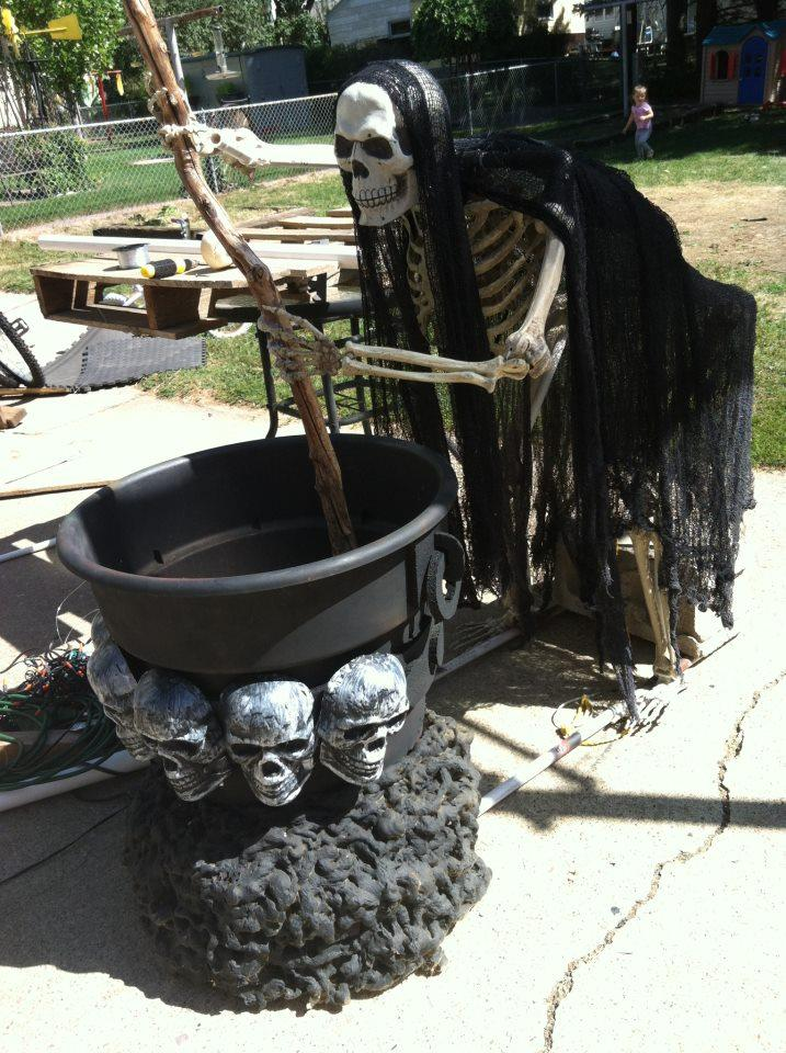 Ghost Cooking Outdoor Halloween Decoration