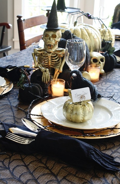 Hallowen Table Decor Gold Sprayed Paper Mache Skull