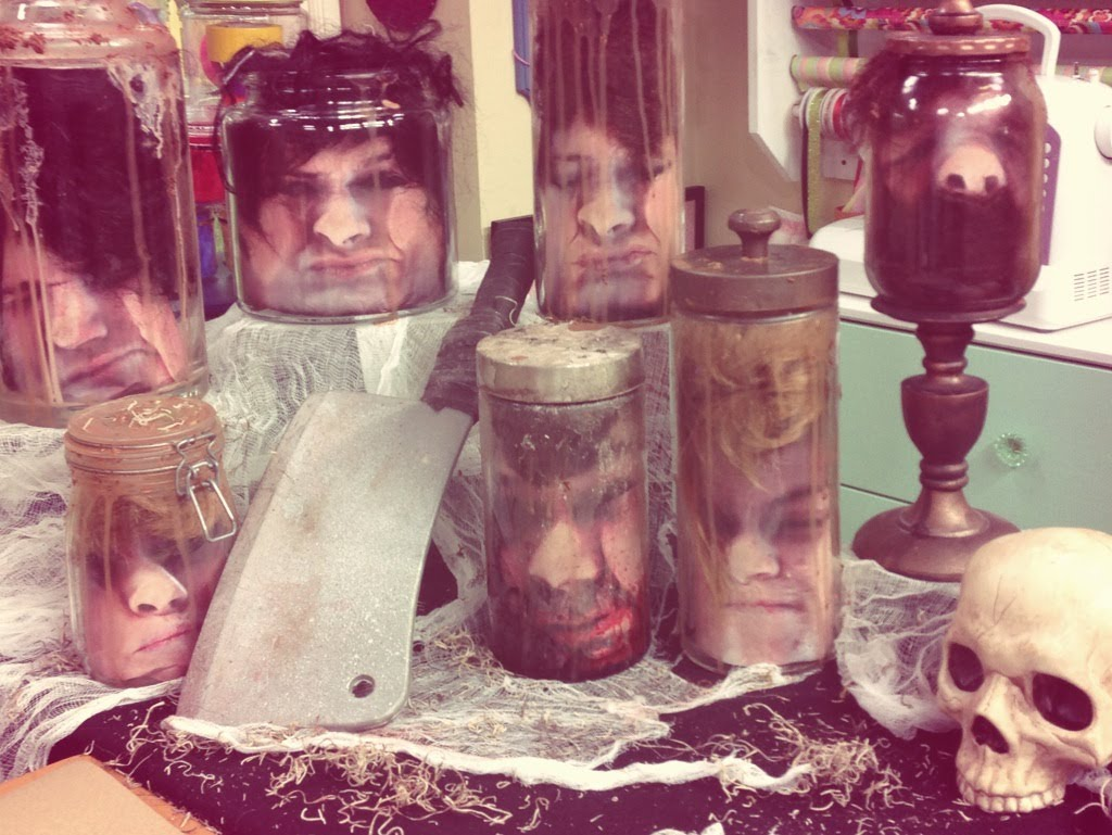 Heads In A Jar Halloween