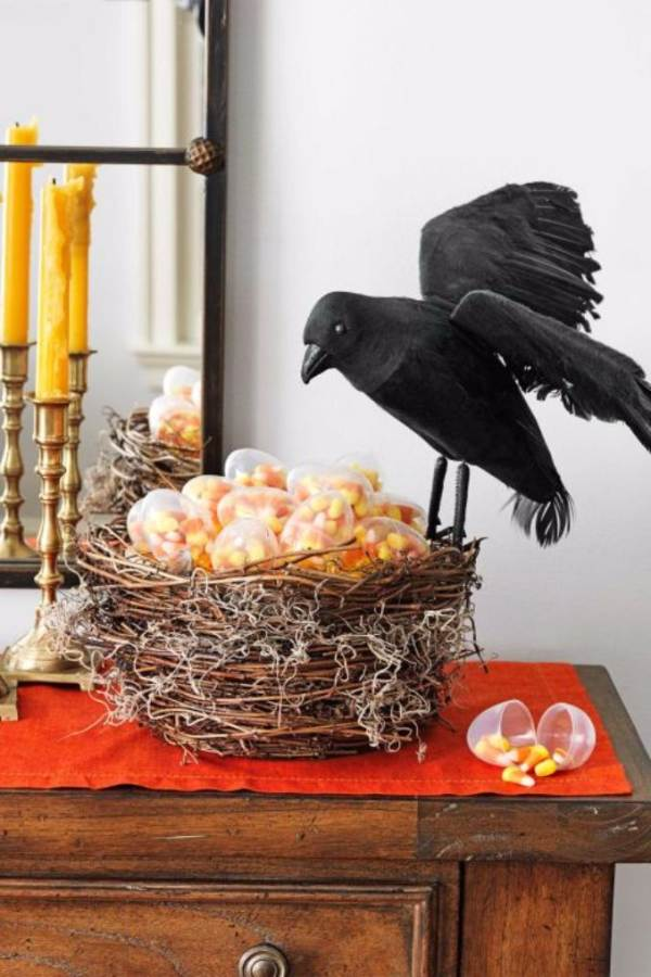 Quick and Easy DIY Spooky Halloween Decoration