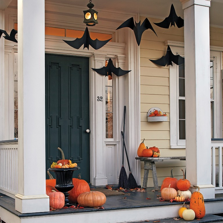 Classy Porch Halloween Decorations