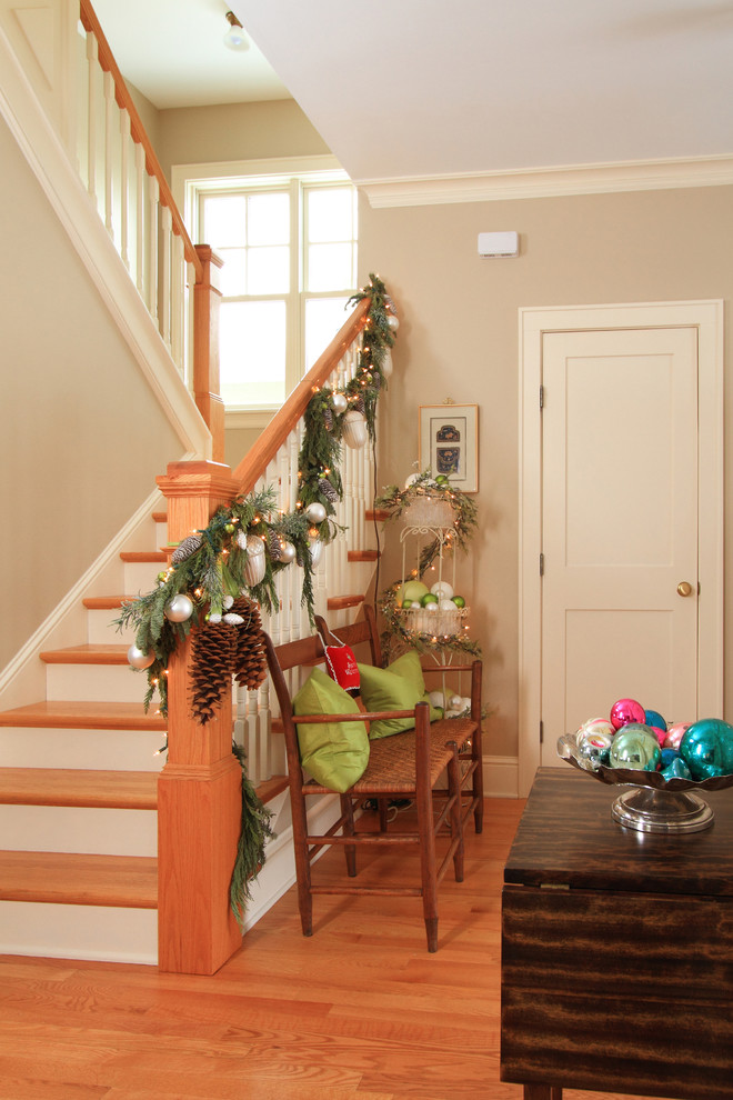 beautiful-christmas-stairs-decoration-ideas-11