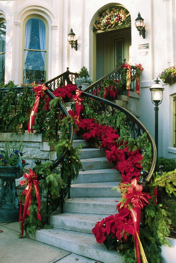 beautiful-christmas-stairs-decoration-ideas-13