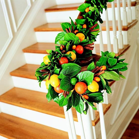 beautiful-christmas-stairs-decoration-ideas-5