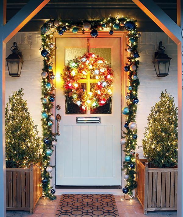 christmas-decorations-front-door-ideas-13