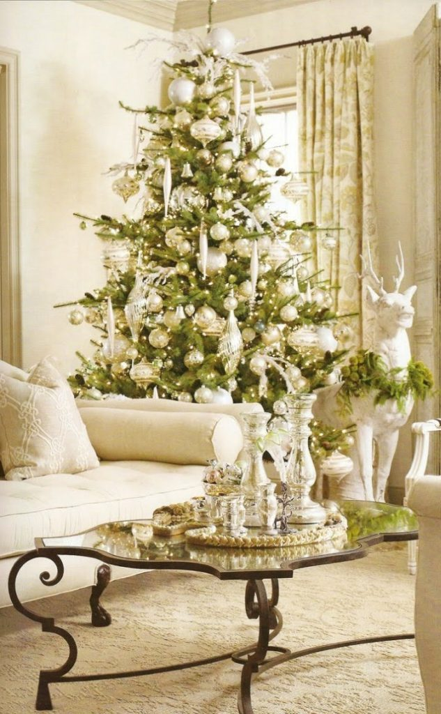 christmas-living-room-decorating-ideas-4