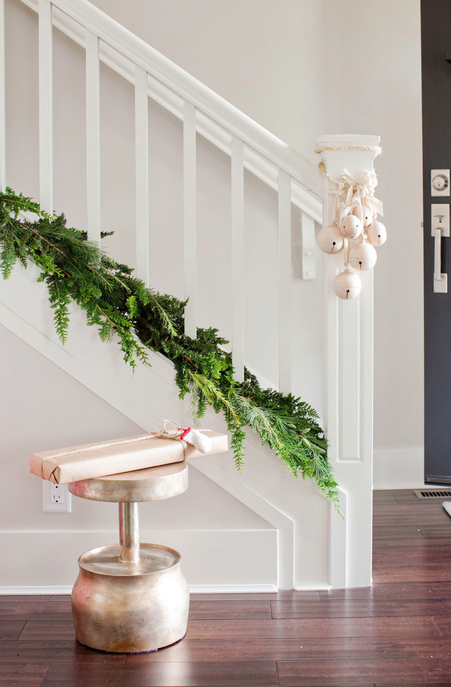 christmas-stairs-decoration-contemporary-style