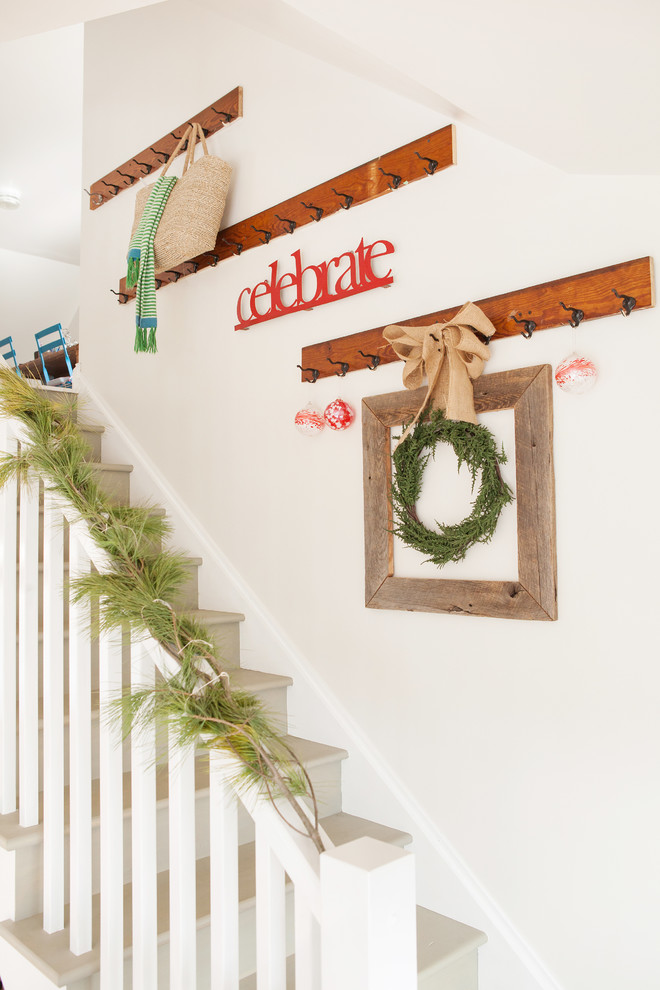 christmas-stairs-decoration-shabby-chic-style