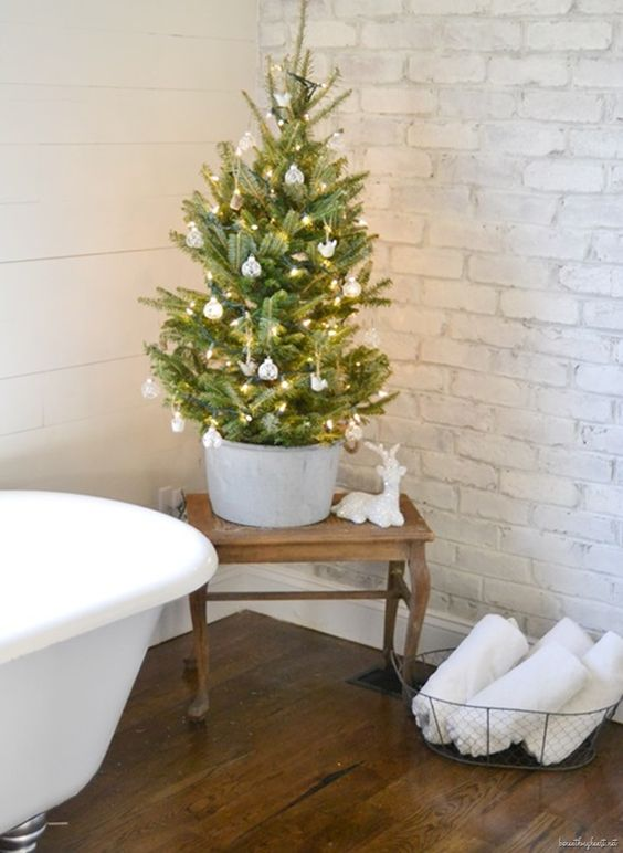 christmas-tree-bathroom-design