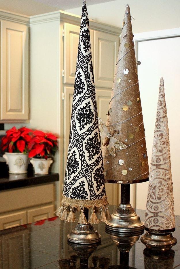 diy-carpet-fabric-christmas-tree