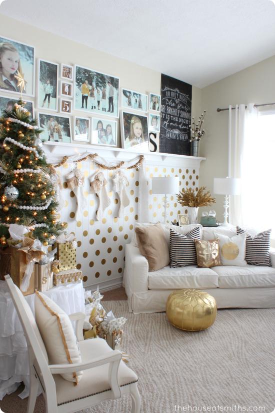 living-room-gold-christmas-decoration