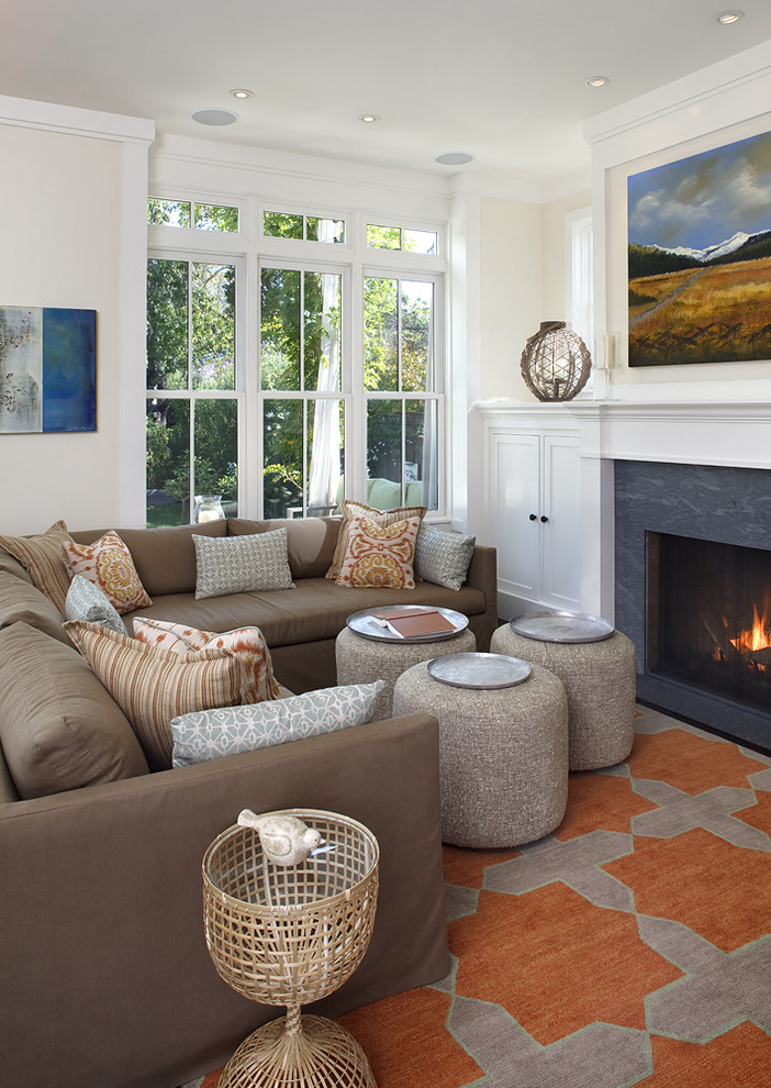 small-traditional-living-room