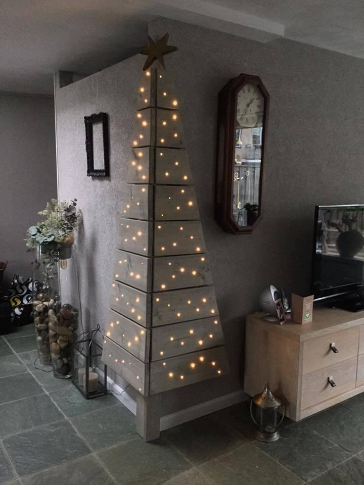 corner-christmas-tree