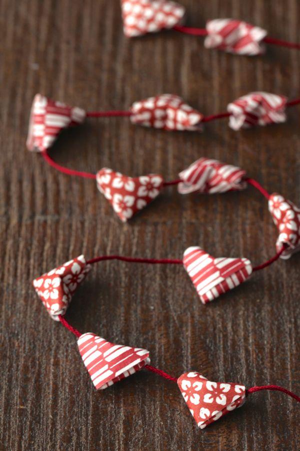 diy-origami-heart-garland