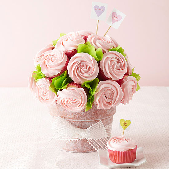 easy-cupcake-valentines-day-bouquet