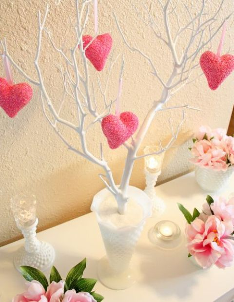 pink-valentines-day-decorations-for-home-18