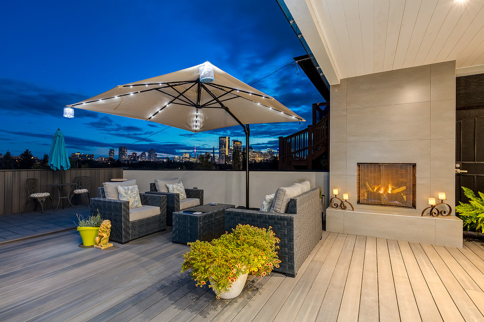 Transitional Backyard Deck Design