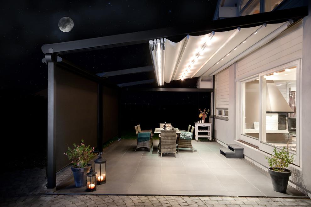 Beach-Style Backyard Patio Design