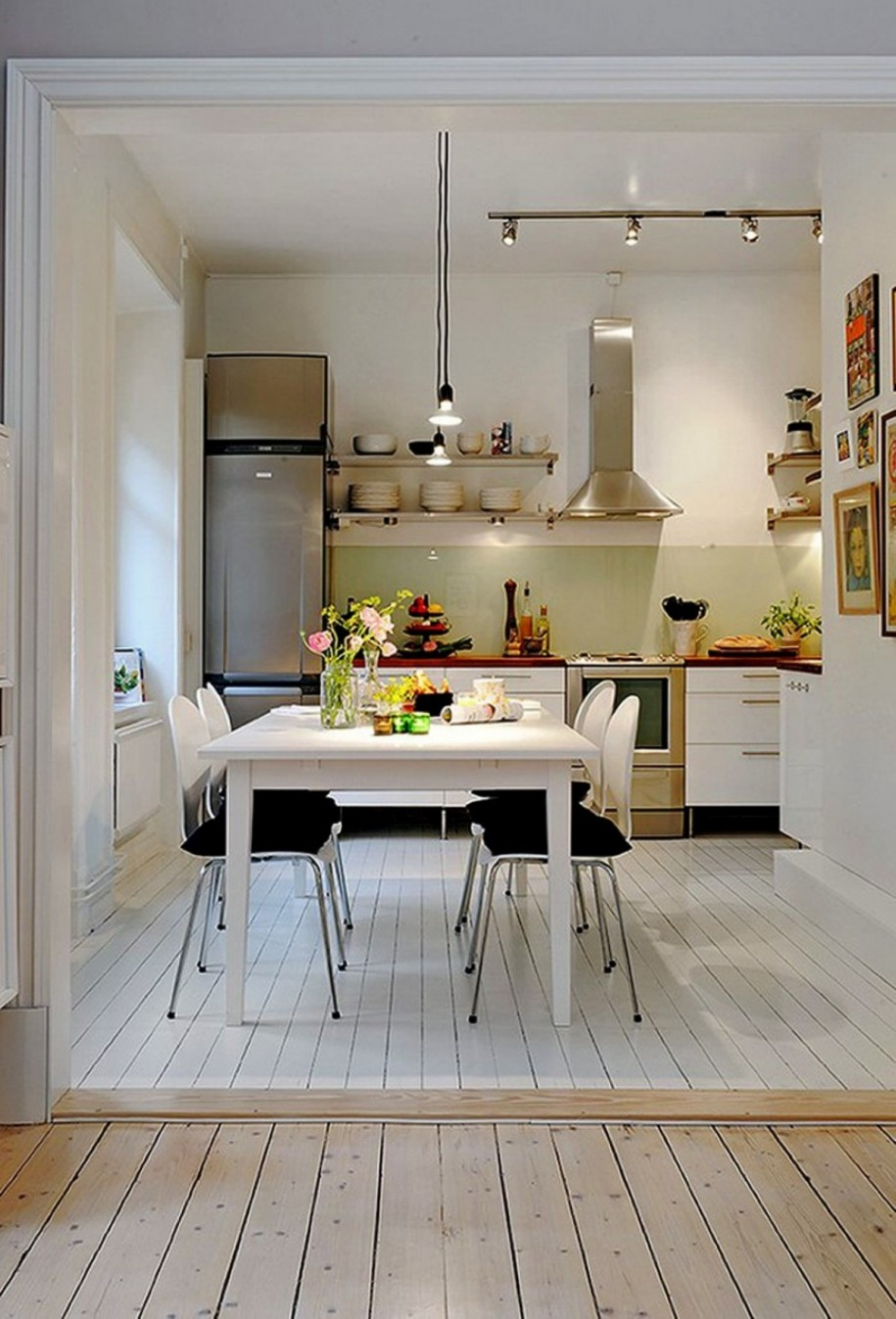 White L-Shaped Eat-In Kitchen